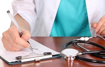 К какому врачу обращаться при геморрое?